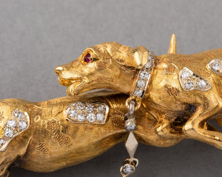 Round Cut Gold and Diamonds European Vintage Dogs Brooch For Sale