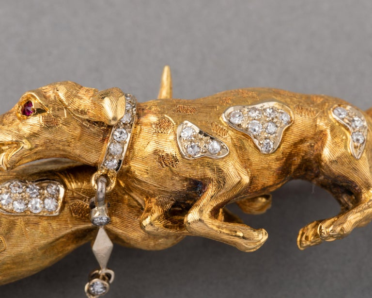 Gold and Diamonds European Vintage Dogs Brooch In Good Condition For Sale In Saint-Ouen, FR