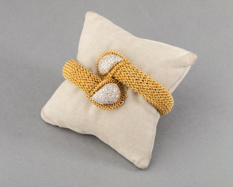 Round Cut Gold and Diamonds Vintage Bracelet For Sale