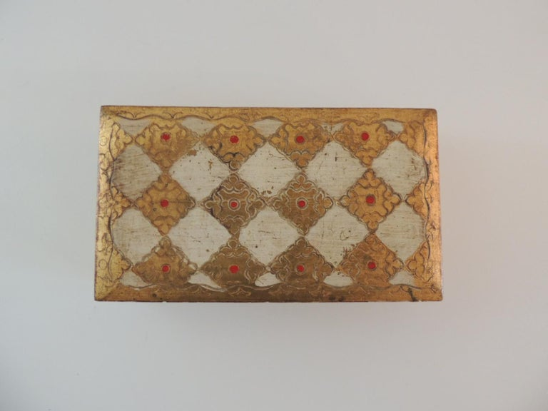 Gold and red Florentine jewelry box Size: 7