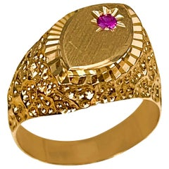 Gold and Ruby 14 Karat Yellow Gold Ring Vintage Unisex