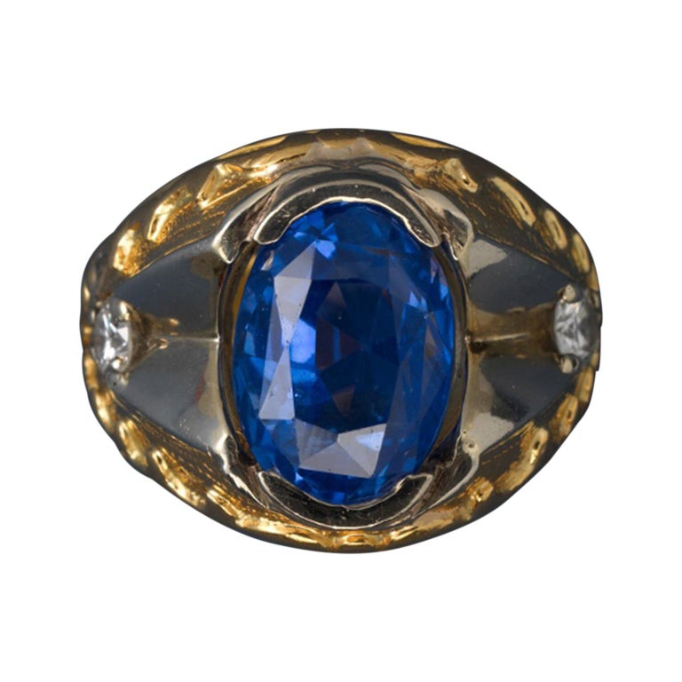 Gold and Sapphire Ring For Sale