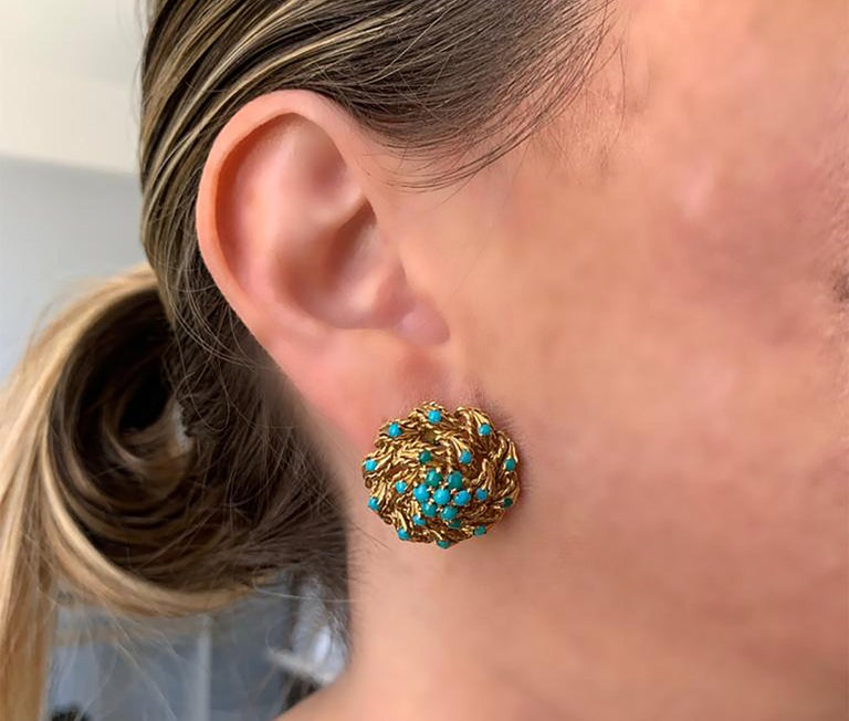Gold and Turquoise Stud Earrings In Good Condition For Sale In Miami, FL