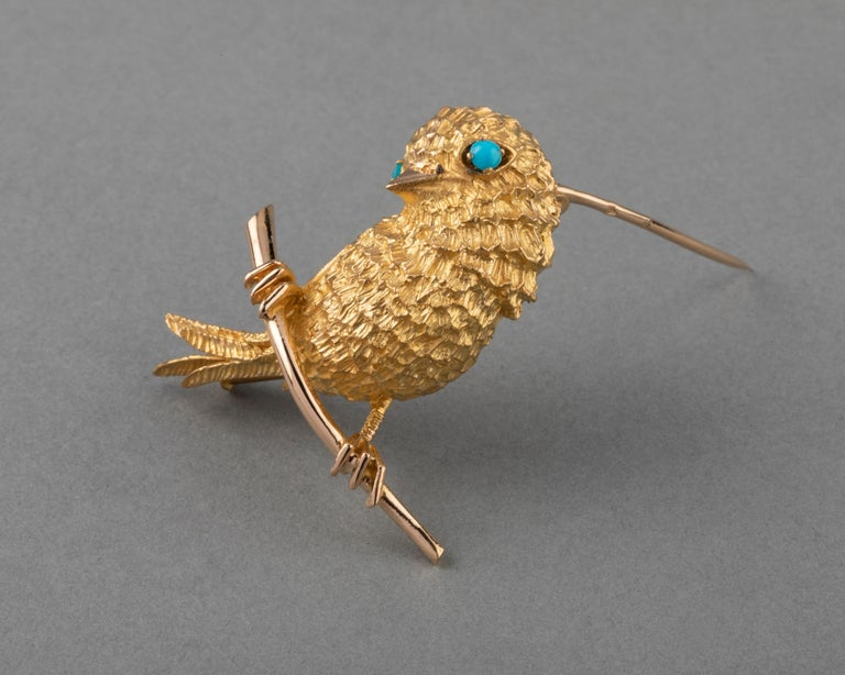 Gold and Turquoises French Vintage Bird Brooch For Sale 1