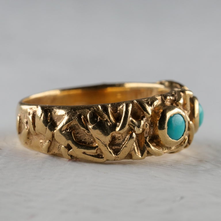 Gold Band with Persian Turquoise In Excellent Condition For Sale In Southbury, CT
