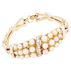 Gold Bracelet With Pearls & Baguette Crystals By Coro, 1940s