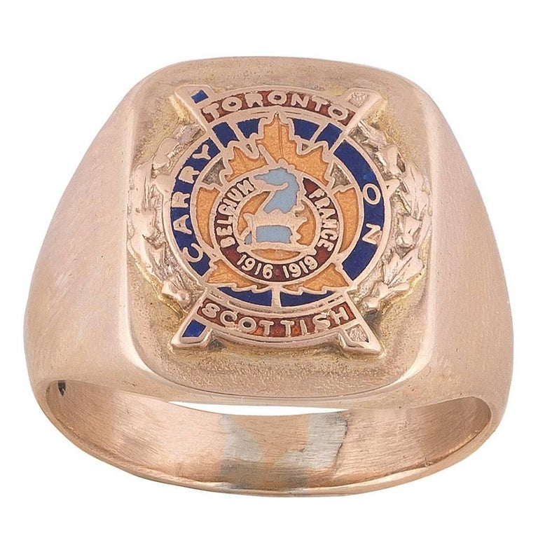 Gold College for Men's Class Ring