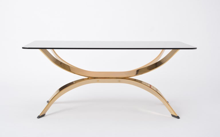 Gold Colored Mid-Century Modern coffee table with smoked Glass top For Sale 6