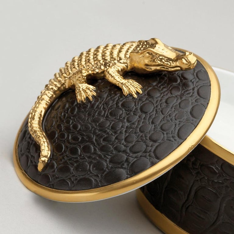 Gold Croco Candle with 24 Karat Gold Plate  In Excellent Condition For Sale In Paris, FR
