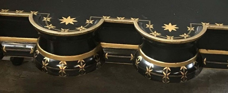 Gold Decorated Black Lacquer Coffee Table In Good Condition For Sale In Cypress, CA