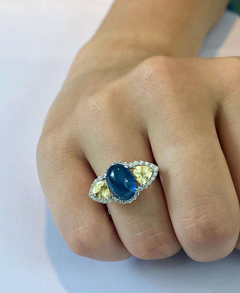 Contemporary Cabochon Sapphire Yellow Sapphire Diamond Cocktail Gold Ring Weighing 6.74 Carat For Sale