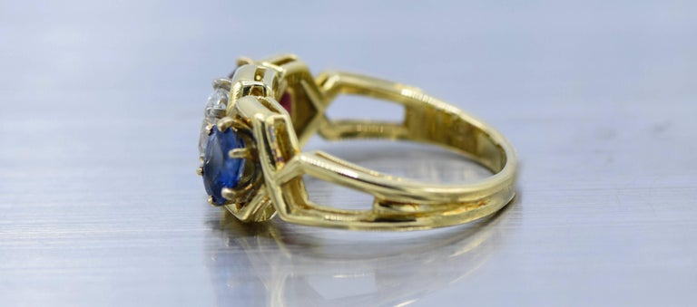 Gold, Diamond, Ruby and Sapphire Ring In Excellent Condition For Sale In New York, NY