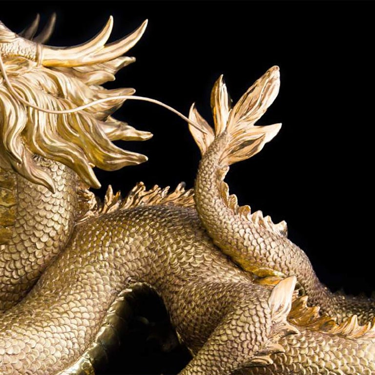Gold Dragon Sculpture In New Condition For Sale In Paris, FR