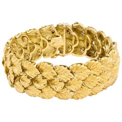 Gold Flexible Leaf Bracelet