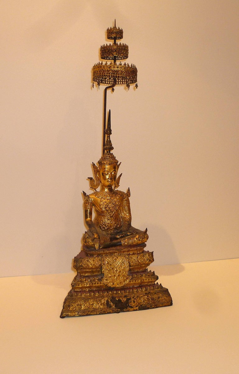 Gold Gilt Bronze Thai Statue of Meditating Buddha In Good Condition For Sale In Greenwich, CT