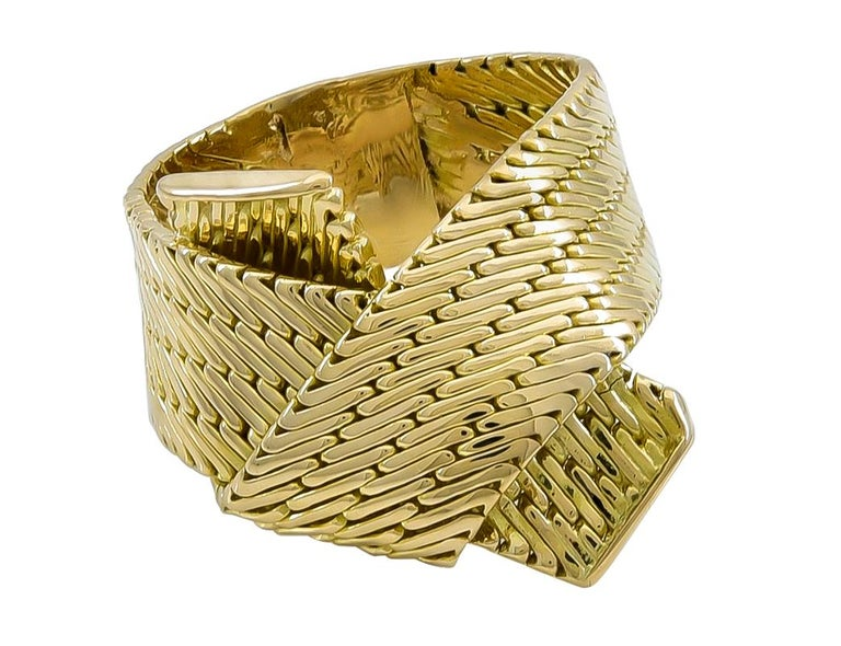 Gold Hermes Ring In Excellent Condition For Sale In New York, NY