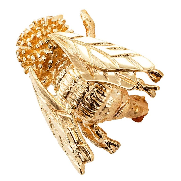 Women's or Men's Gold Honeybee Brooch For Sale
