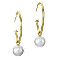 Earrings gold hoops and Akoya grey pearls 20 Karat Gold 18 Karat Gold