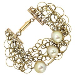 Gold Interlocking Wire Link Bracelet with Pearls