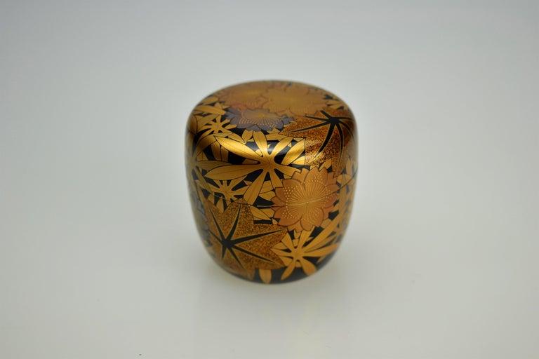 Showa Gold Lacquer Tea Caddy (natsume) by Kakinoki Akira (1926-2009) For Sale