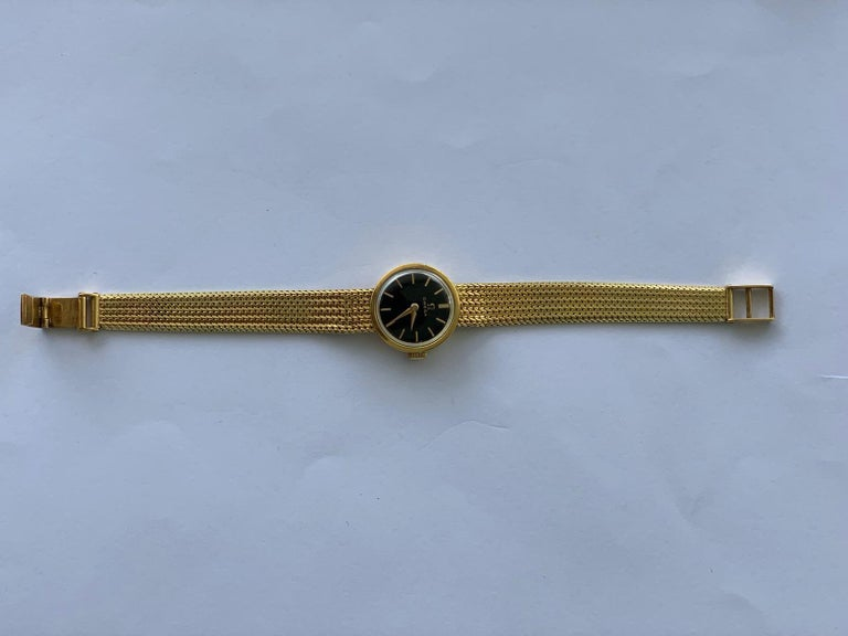 Gold Lady's Omega 1966 Wristwatch In Good Condition For Sale In , CH