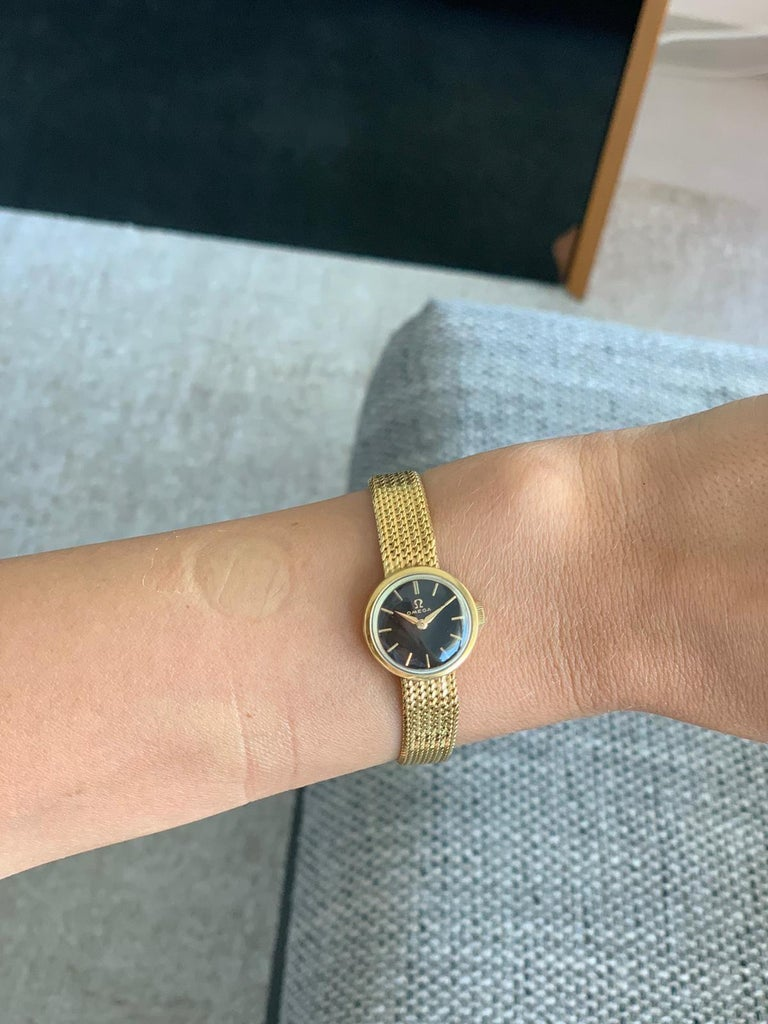 Gold Lady's Omega 1966 Wristwatch For Sale 2