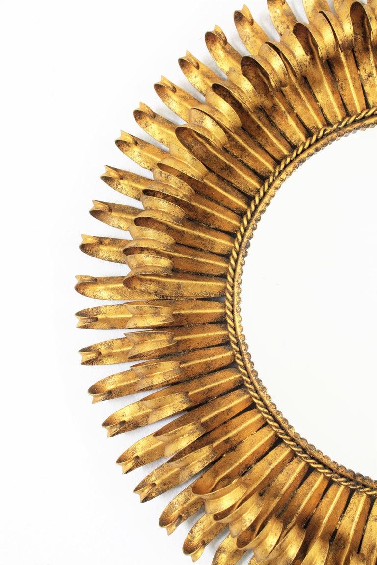 Mid-20th Century Gold Leaf Gilt Iron Hand-Hammered Eyelash Round Sunburst Mirror, France, 1950s For Sale