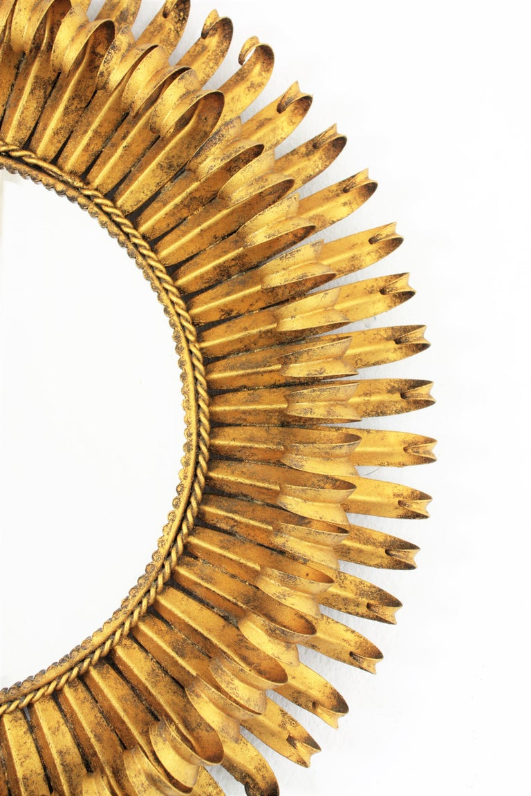 Gold Leaf Gilt Iron Hand-Hammered Eyelash Round Sunburst Mirror, France, 1950s For Sale 1