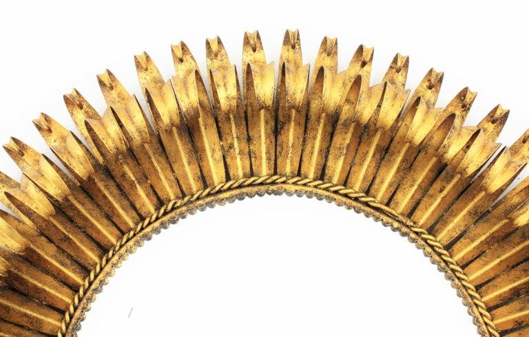 Gold Leaf Gilt Iron Hand-Hammered Eyelash Round Sunburst Mirror, France, 1950s For Sale 3