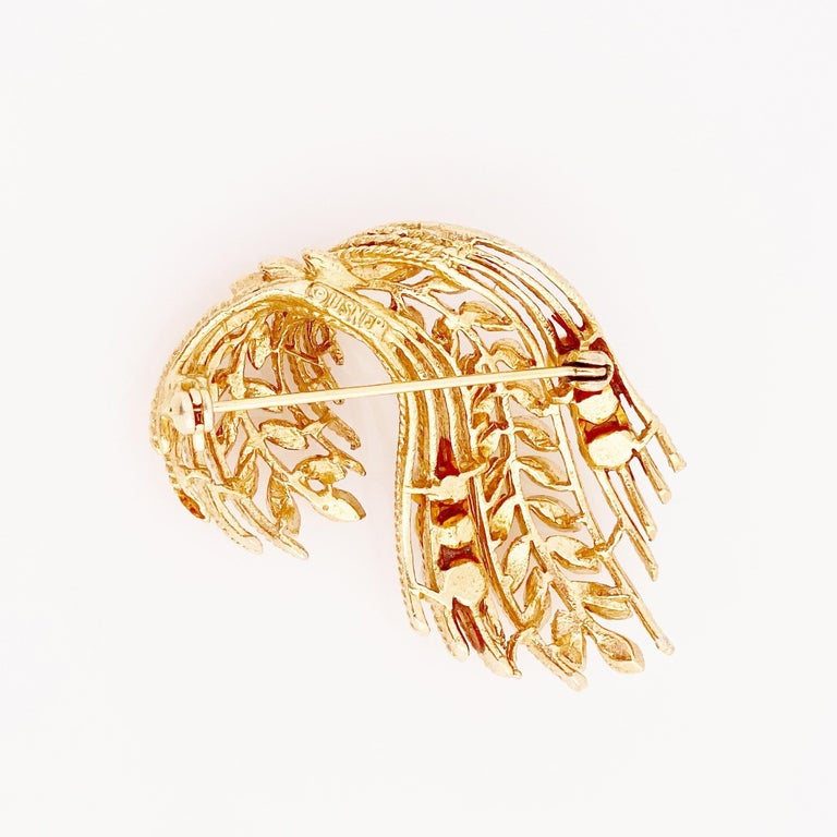 Gold Leaf & Pearl Motif Brooch By Lisner, 1960s In Good Condition In Los Angeles, CA