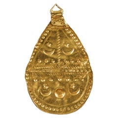 Gold Leaf-Shaped Islamic Pendant 11th-14th Century AD