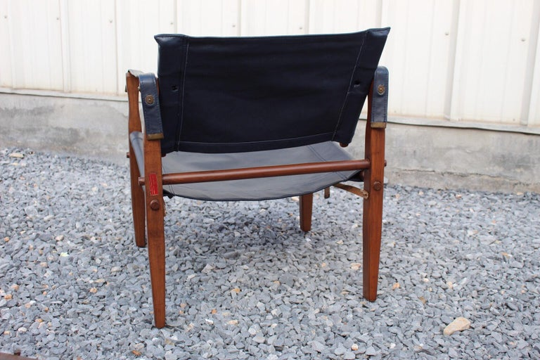 Mid-20th Century Gold Medal Safari Chair For Sale