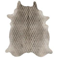 Gold Metallic Diamond Pattern Gray Cowhide Rug, Medium