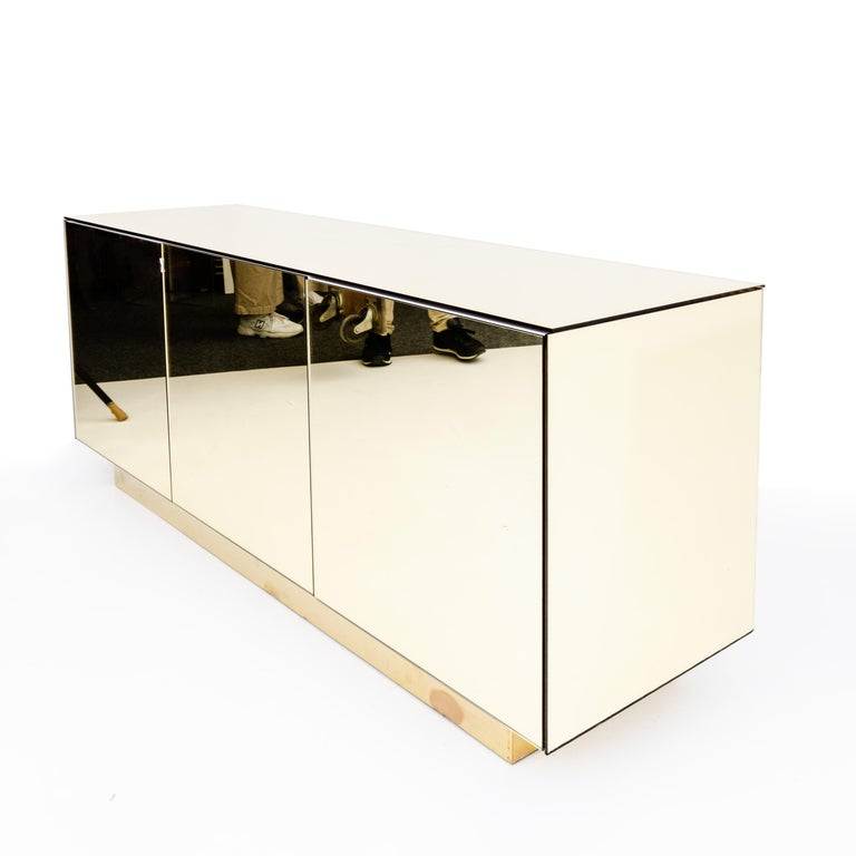 Gold Mirrored Sideboard, Italy, 1970s In Good Condition For Sale In Greding, DE