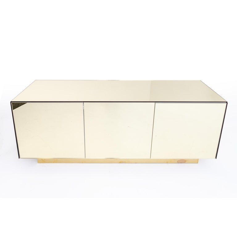 Gold Mirrored Sideboard, Italy, 1970s For Sale 1