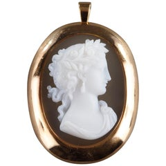 Gold-Mounted Cameo Pendant