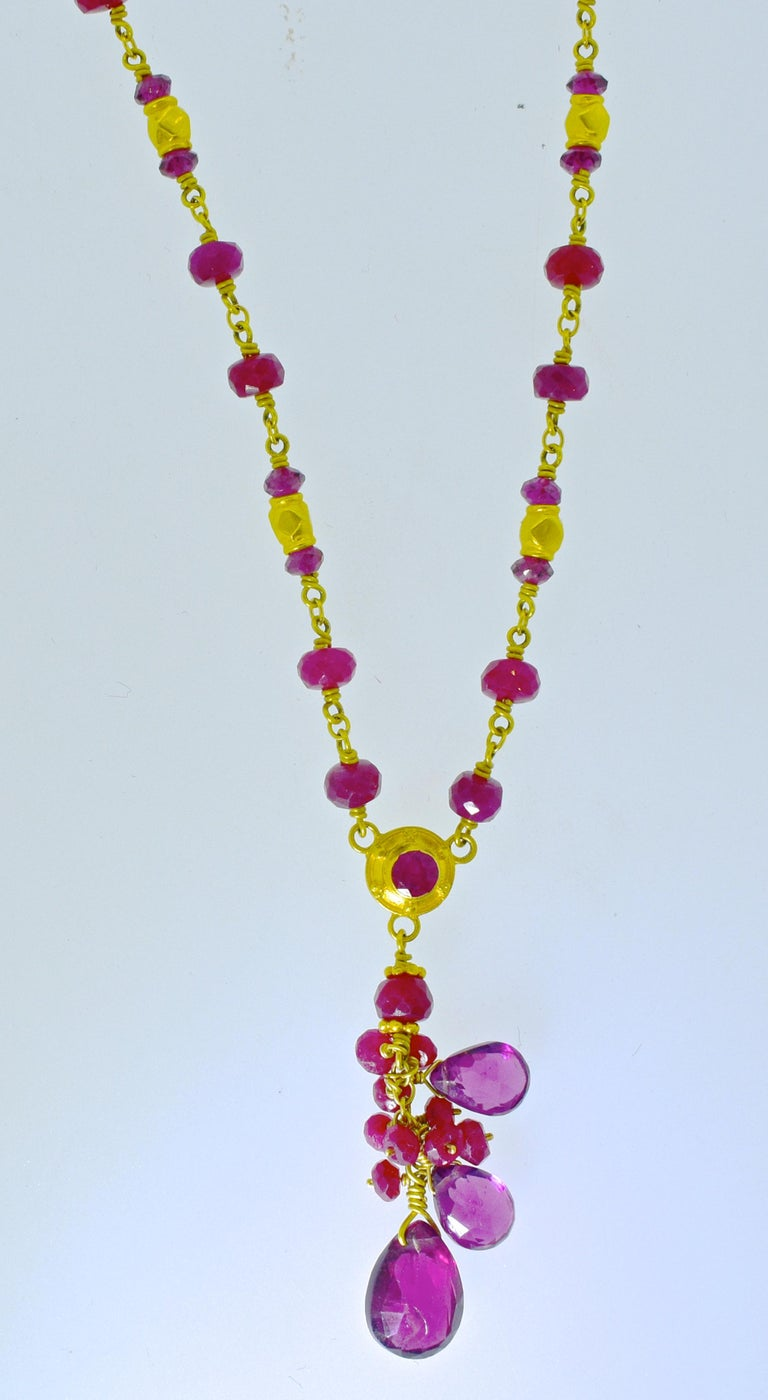 Contemporary Gold Necklace, 22 Karat, with Rubies and Suspending Pink Tourmalines For Sale