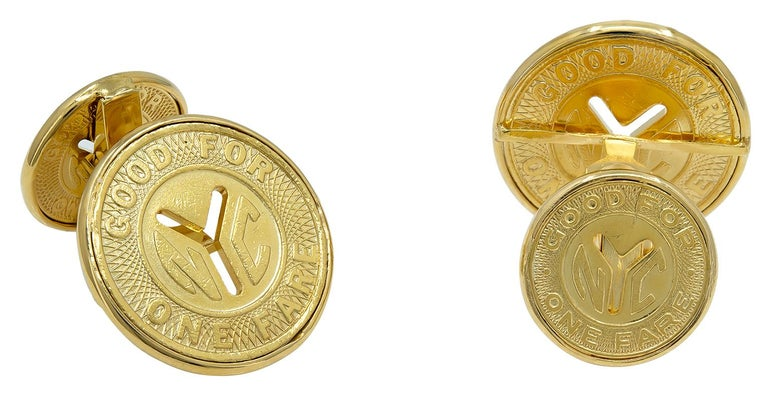 Gold New York City Subway Token Cufflinks In Excellent Condition For Sale In New York, NY