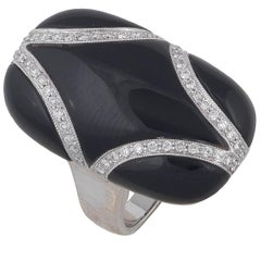Gold Onyx Diamond Ring