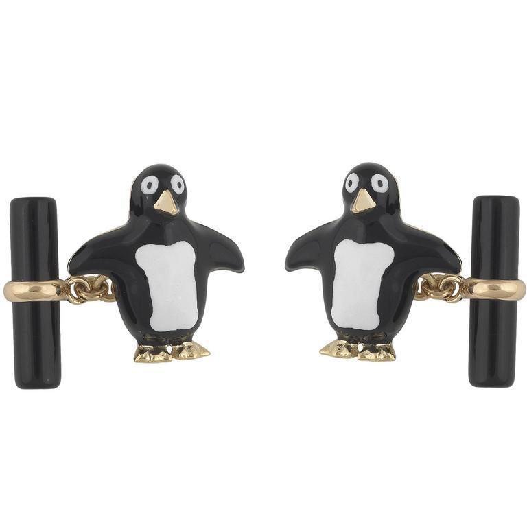 Gold Onyx Enamel Penguin Cufflinks In New Condition For Sale In Firenze, IT