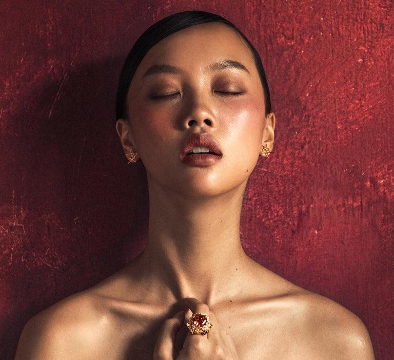 Gold Open Frame Star Earrings For Sale 7