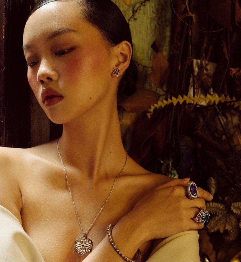 Gold Open Frame Star Earrings For Sale 8