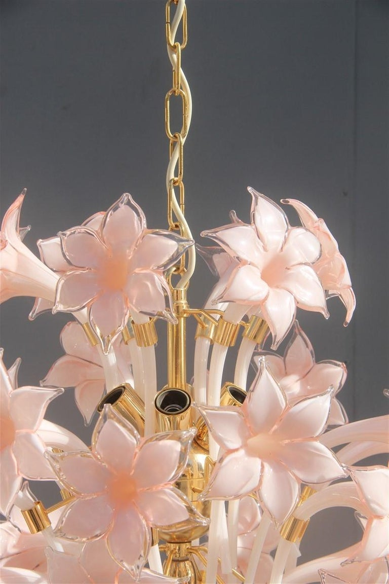 Gold Pink Round Chandelier Murano Franco Luce Design 1970s Italian Flowers In Good Condition For Sale In Palermo, Sicily