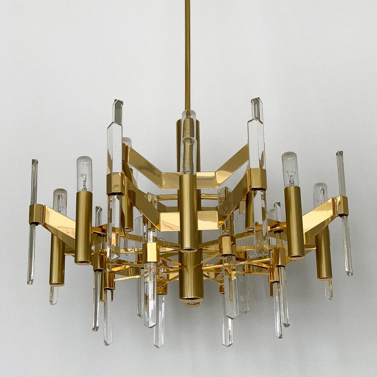 Late 20th Century Gold-Plated Brass and Crystal Chandelier by Gaetano Sciolari For Sale