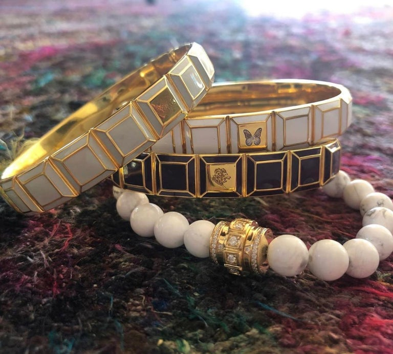 Gold-Plated White Enamel Butterfly Carousel Bracelet In New Condition For Sale In West Hollywood, CA