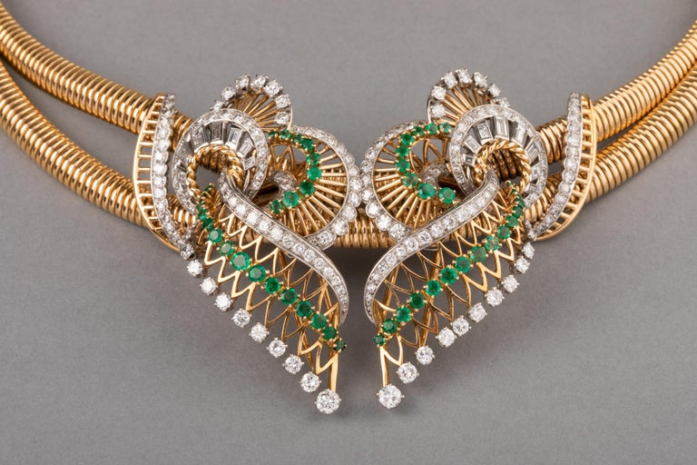 Gold Platinum Emeralds and 7 Carat Diamonds French Vintage Necklace In Good Condition For Sale In Saint-Ouen, FR