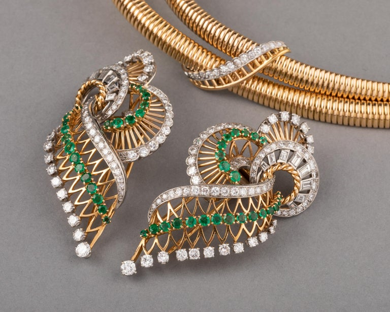 Gold Platinum Emeralds and 7 Carat Diamonds French Vintage Necklace For Sale 2