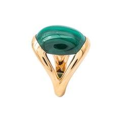 Gold Ring 18 Carat Surmonte of a Malachite Cut in Cabochon
