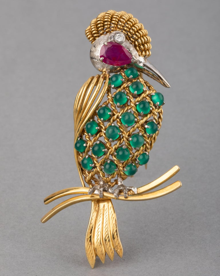 Gold Ruby Diamonds and Chrysoprase  Vintage Bird Brooch  Very beautiful brooch, European made circa 1960. Hallmarks for gold 750 (750 and French mark: the owl). Craft in yellow gold 18k, diamonds, Chrysoprase cabochons (Green Agate), and Ruby for