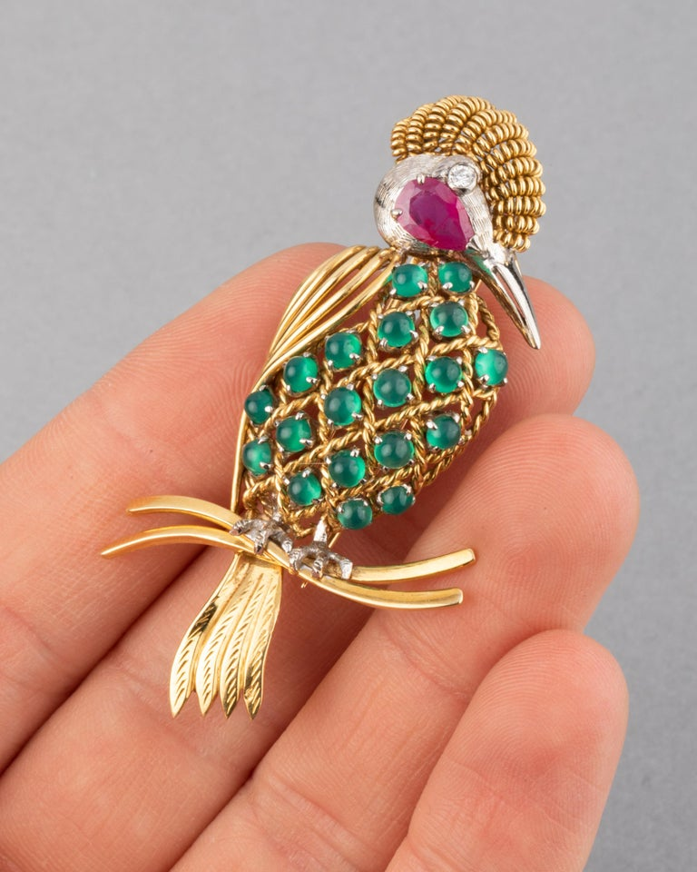 Cabochon Gold Ruby Diamonds and Agate Vintage Bird Brooch For Sale
